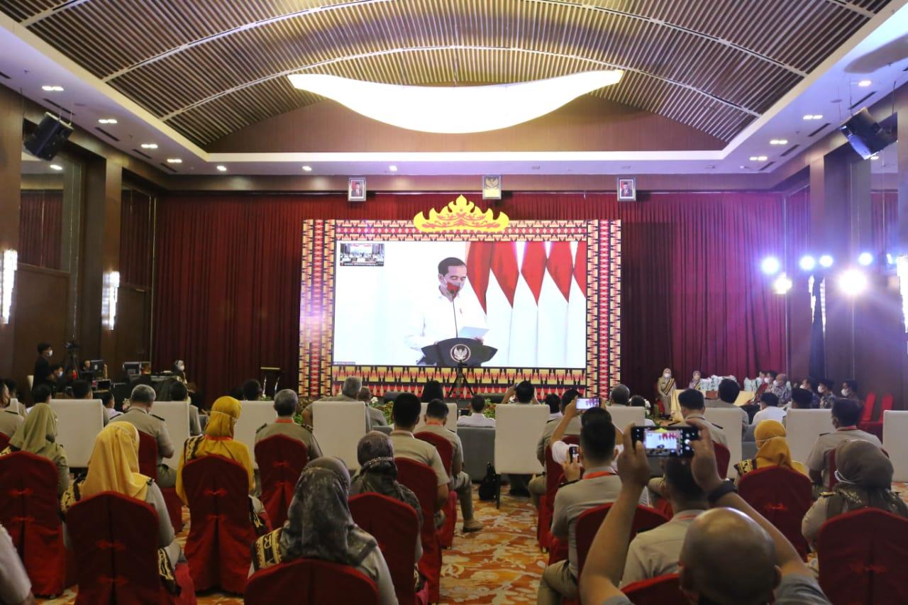 Presiden Jokowi Serahkan 124.120 Sertifikat Tanah Objek Reforma Agraria Tahun 2021