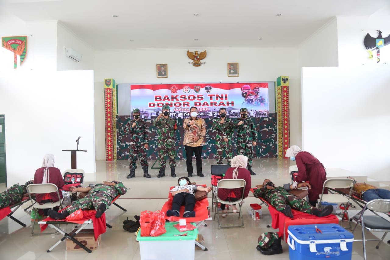 Wabub Azwar Hadi Hadiri Baksos TNI Donor Darah Dalam Rangka HUT TNI Ke-76