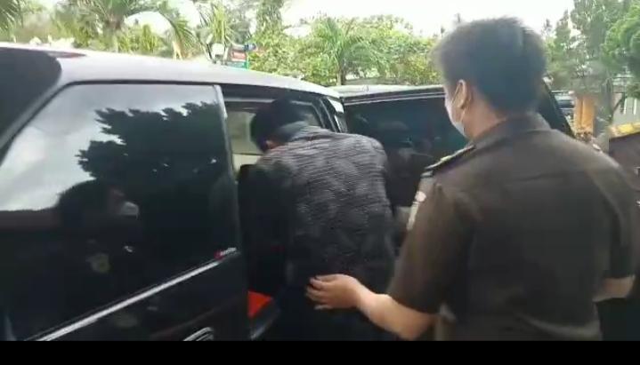 Diduga Korupsi Dana Hibah Karang Taruna, Pihak Kajari Lamtim Menahan Wakil Ketua DPRD AF Dirutan Sukadana