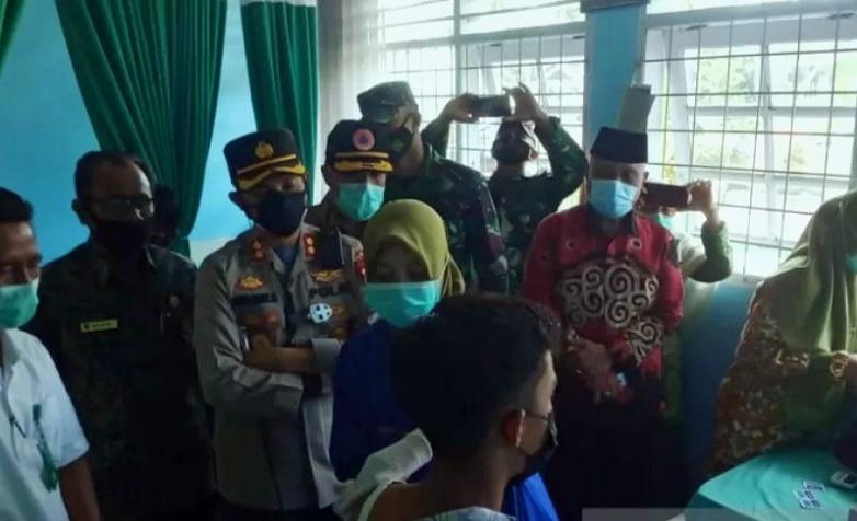 1.016 Siswa SMAN 1 Tanjungmutiara Agam Divaksin COVID-19
